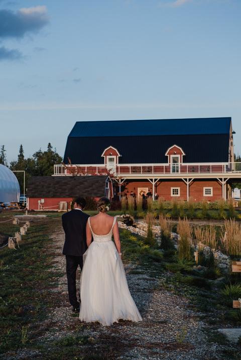 Victoria-BC-Photographers-Red-Barn-Wedding-Fall-