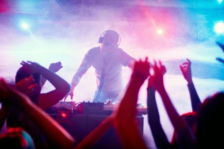 Vendor Feature: DJ Chris Poynter - Victoria BC, Wedding DJ, Wedding Photographer